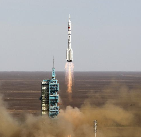 Shenzhou-10 launch
