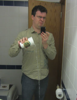 Forget duckface, THIS is the stupidest someone can look in a self-shot.